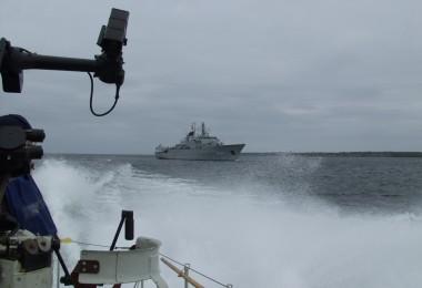 T38 möter HMS Carlskrona 2005